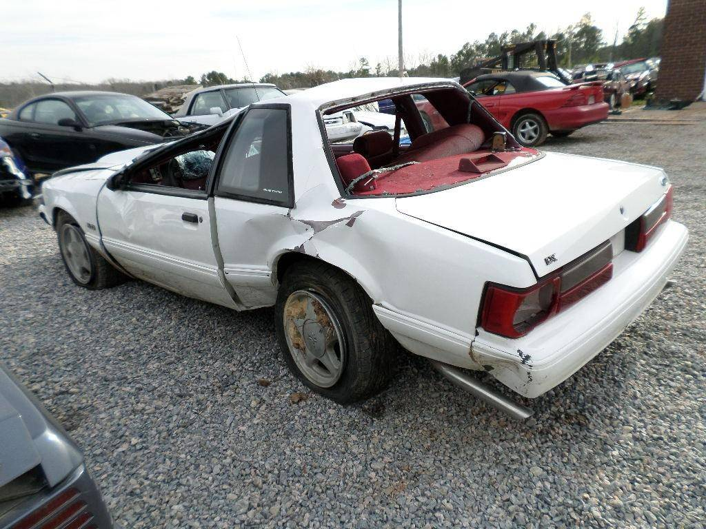 87 93 ford mustang coupe white