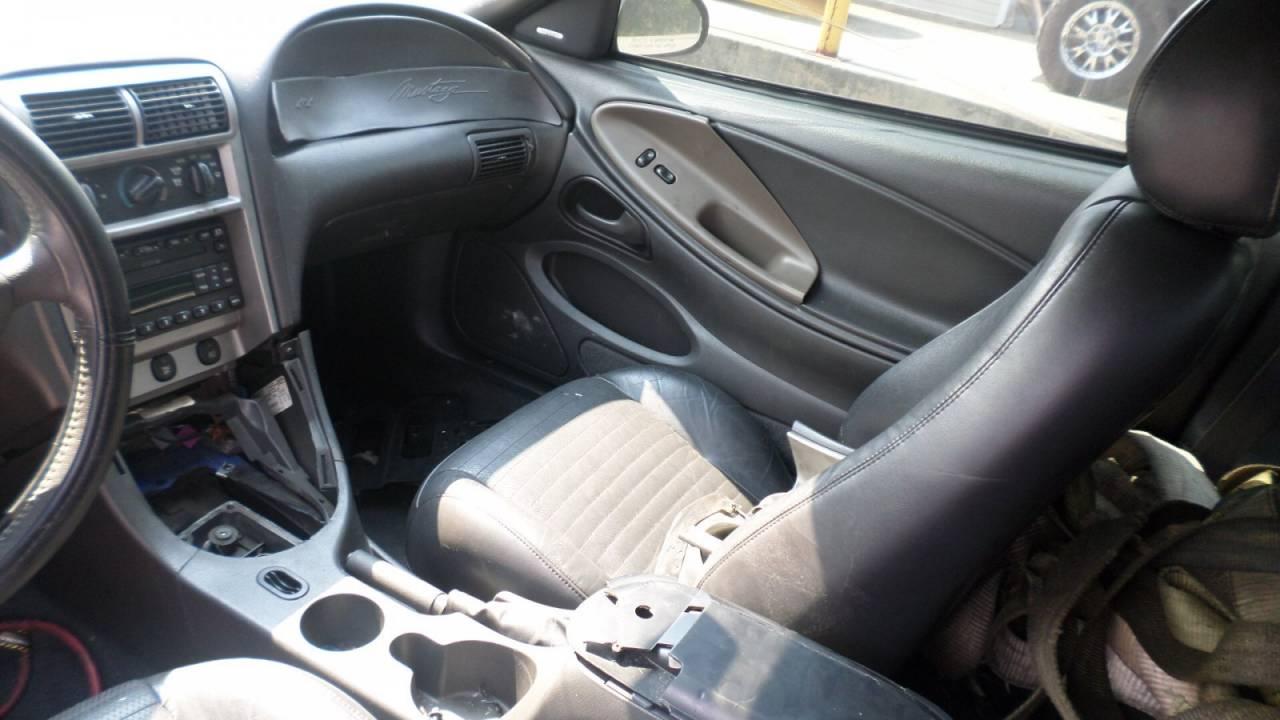 2003 Manual 2001 Ford Escort Lx4 Fuse Box Diagram Low Mileage P1017960 Array Facebook Rh Prestigemustang Com