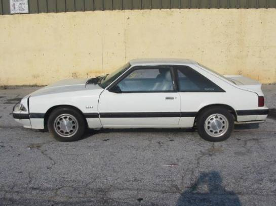 1989 Ford Mustang 5.0 Auto - White - Image 1