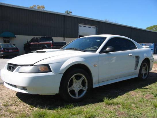 2000 Ford Mustang 4.6 5 Speed- White - Image 1