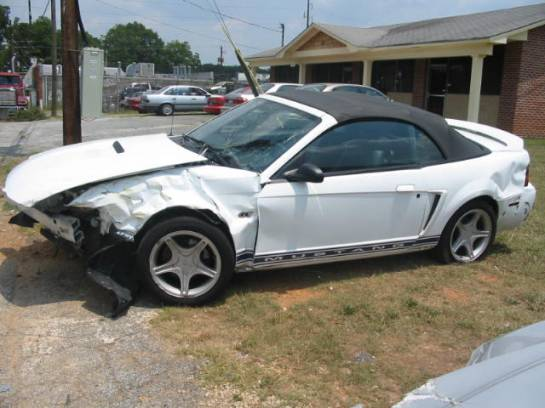 2000 Ford Mustang 4.6 Automatic- White - Image 1