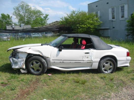 1989 Ford Mustang 5.0 Auto AOD - White - Image 1
