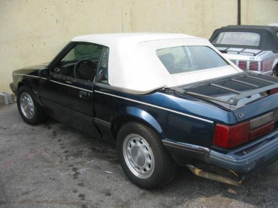 1990 Ford Mustang 5.0 Automatic - Blue - Image 1
