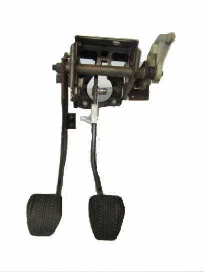 1996-1998 Brake & Clutch Pedal Assembly - Image 1