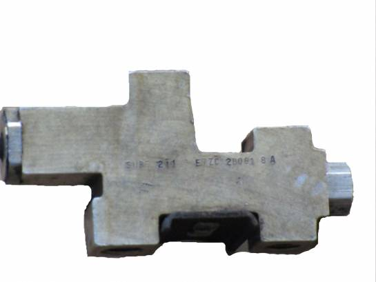 1987-1993 4cyl Brake Proportioning Valve - Image 1