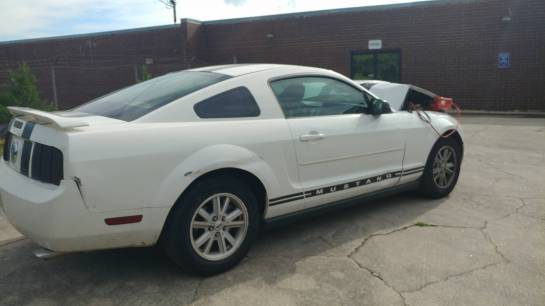 2006 Ford Mustang Coupe - Image 1