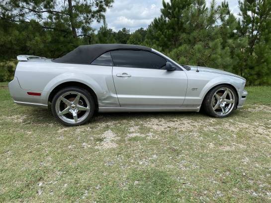 2006 Ford Mustang Convertible 4.6 Automatic - Image 1