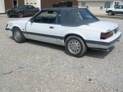 1985 Ford Mustang 5.0 - White - Image 2