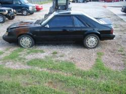1986 Ford Mustang 2.3 L 5 speed - Black - Image 2