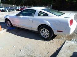 Parts Cars - 2006 Ford Mustang Coupe V6