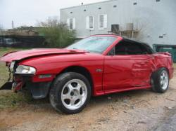 1998 Ford Mustang 4.6 5 Speed - Red/Black Top