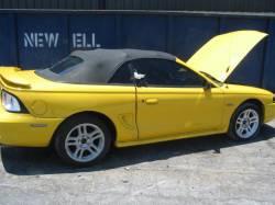 1998 Ford Mustang 4.6 2V Auto-AOD-e - Yellow