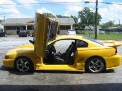 1998 Ford Mustang 4.6 2V T-45 5-Speed - Yellow