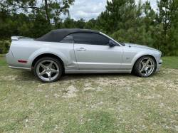 Parts Cars - 2006 Ford Mustang Convertible 4.6 Automatic