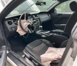 2011 Ford Mustang V6 - Image 6